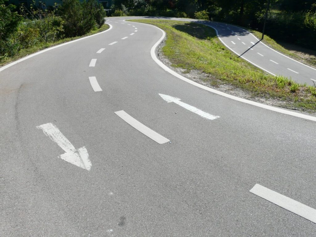 Picture of a road running in both directions.